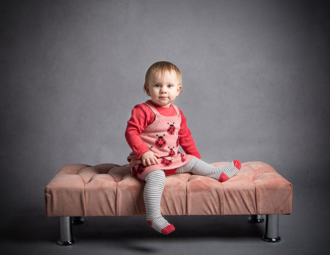 Isla Grace's best family portrait photographer in Whitchurch near Andover.